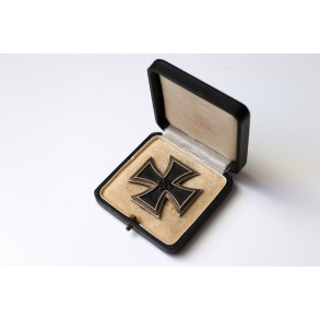 "Iron cross 1st class by Paul Meybauer ""L/13"" + box"