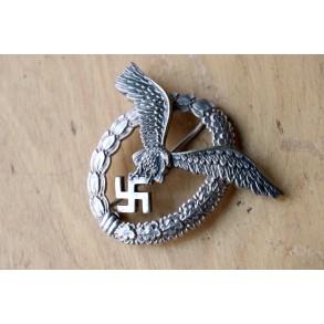 Luftwaffe pilot badge by Berg & Nolte