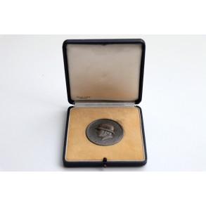 Panzeraufklärungsabteilung 40, 14. Pz Div. remembrance medal By Deschler & Sohn + box
