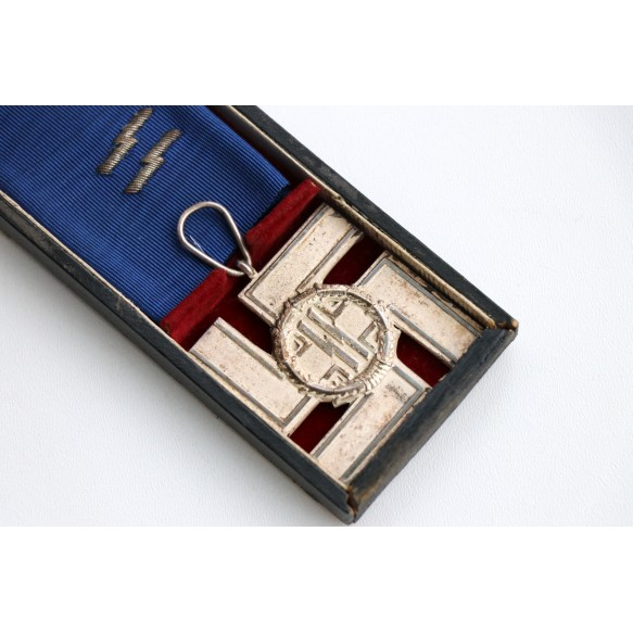 SS service medal for 12 year service medal + box