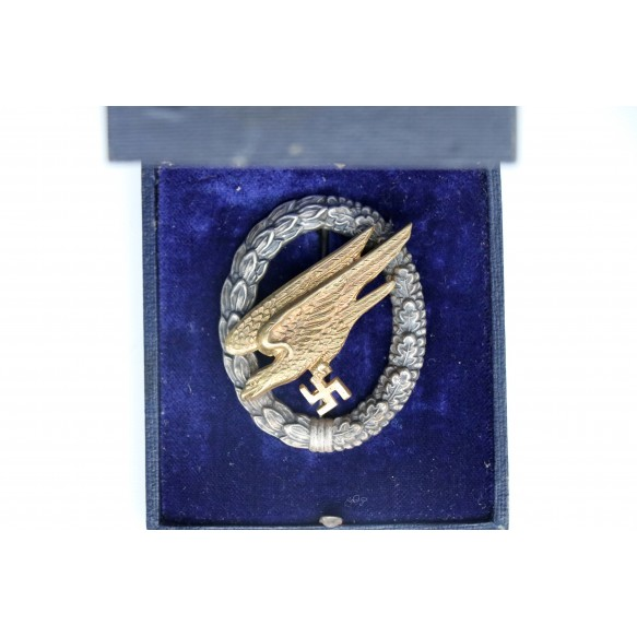 Luftwaffe paratrooper badge by C.E. Juncker + early box
