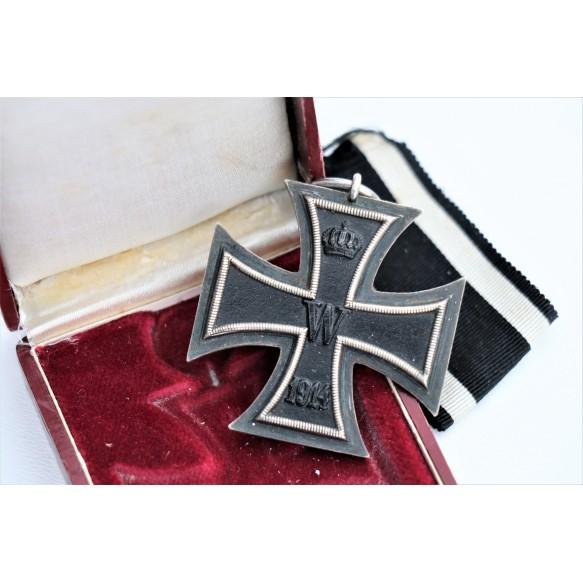 "WW1 Iron cross 2nd class ""v"" + maroon box"
