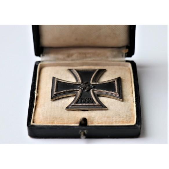 """Iron cross 1st class by Klein & Quenzer """"65"""" + box"""