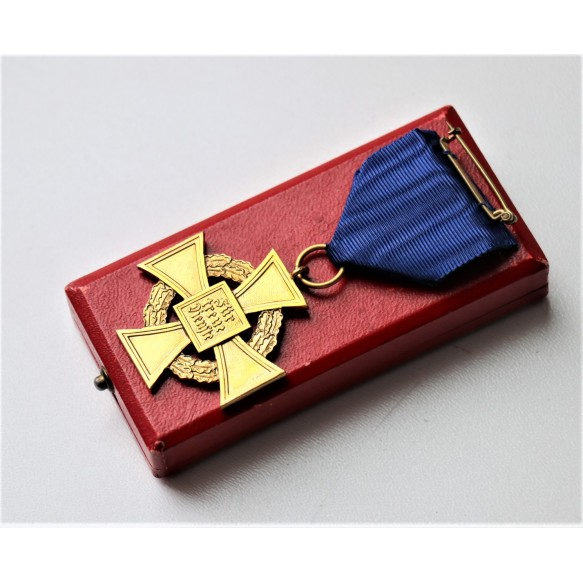 40 year civil service cross + box