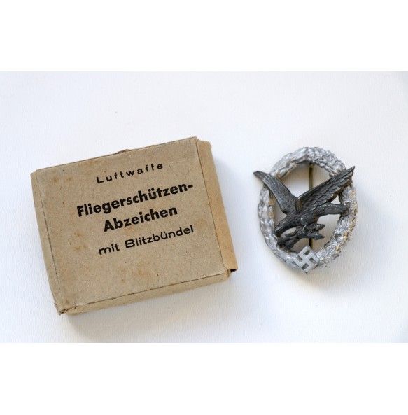 Luftwaffe Radio Operator / Airgunner by Friedrich Linden + cardboard  box