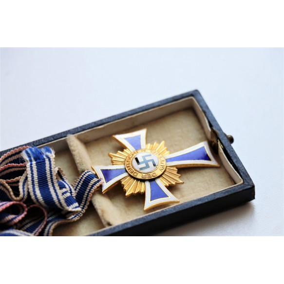 Mother cross in gold in box by Ziemer & Söhne + box + award document