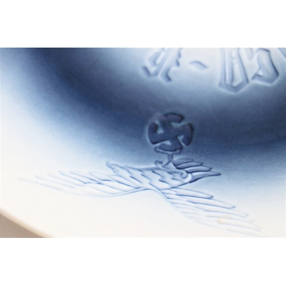 "Honor porcelain plate ""Kommando Flughafenbereich Oslo"""