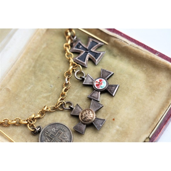 WW1 miniature chain with EK2 and Roter Adlerorden