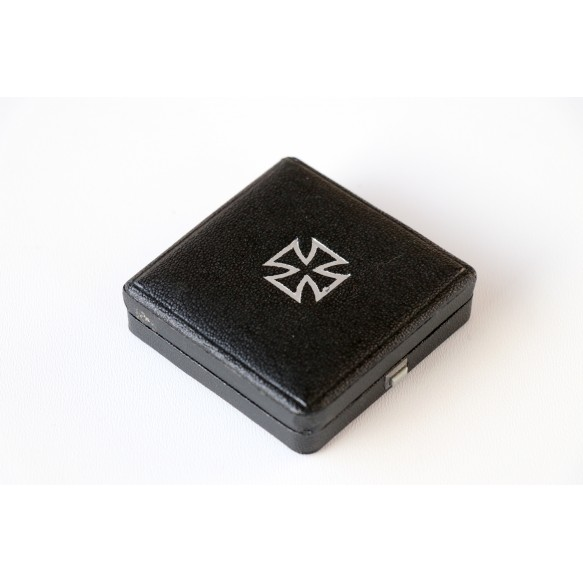 Iron cross 1st class box, square push button