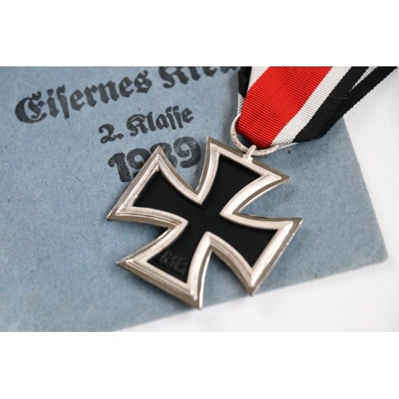 "Iron cross 2nd class by G. Brehmer ""13"" + package + award document"