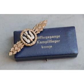 Luftwaffe bomber clasp in bronze by Richard Simm & Sohne R.S.S. + box