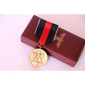 1 October 1938 Czech annexation medal + box