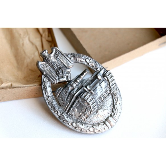 Panzer assault badge in silver by Hermann Aurich + BOX
