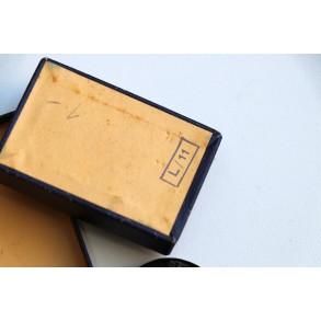 """Wound badge in black by Wilhelm Deumer """"L/11"""" + 1st type LDO box"""