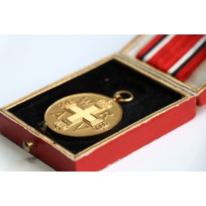 Prussian 1914-1918 Red cross medal + box
