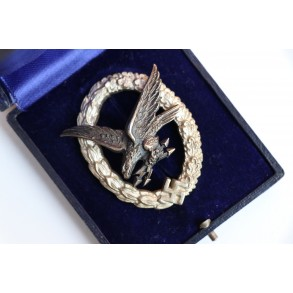 Luftwaffe radio operator / airgunner bt C.E. Juncker + case