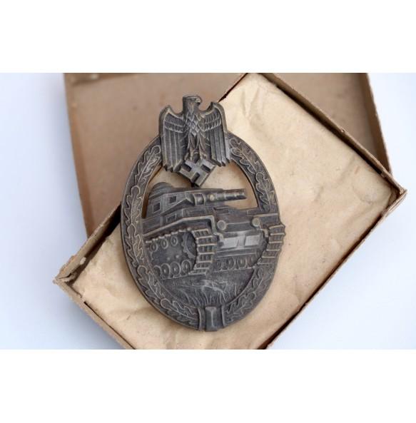 Panzer assault badge in bronze by Hermann Aurich + box