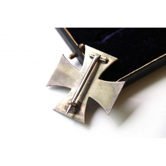 """WW1 Iron cross 1st class by """"KO"""" + luxury box"""