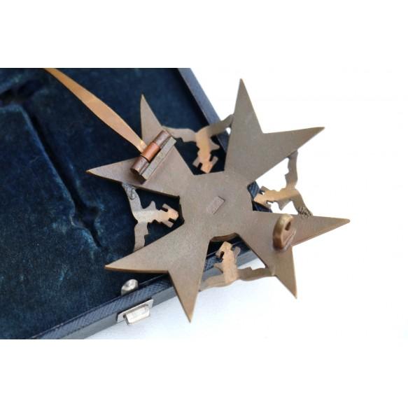 "Spanish cross in bronze w/o swords by C.E. Juncker ""CEJ"" + box"