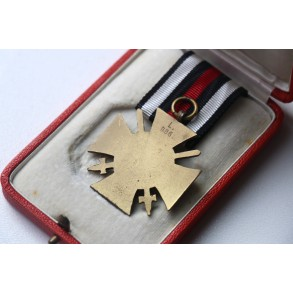 1914-1918 Honour cross with swords by Lauer + luxury case