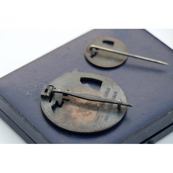 Kriegsmarine Blockade runner badge set with large style mini