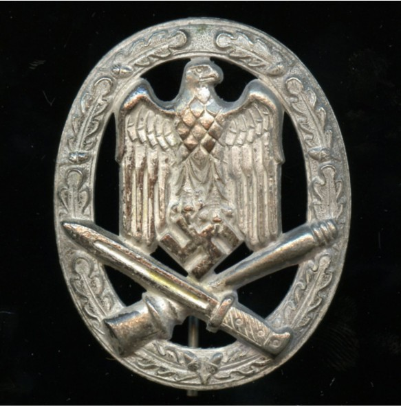 "General assault badge ""half moon variant"""