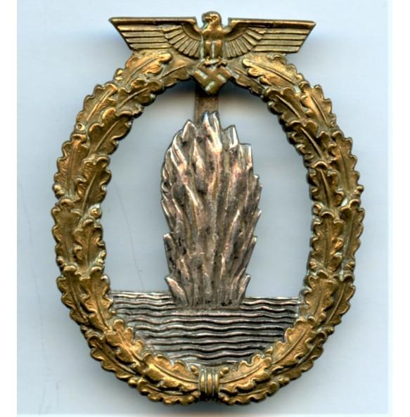 Kriegsmarine minesweeper badge by unknown maker