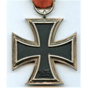 Iron cross 2nd class by C.E. Juncker with variant core