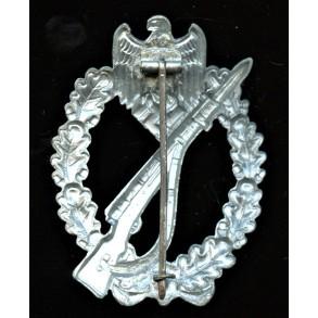 Infantry assault badge in silver by Friedrich Linden