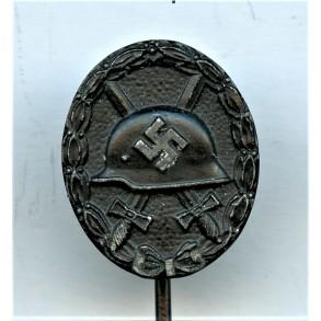 """Wound badge in black miniature by Wilhelm Deumer """"L/11"""""""