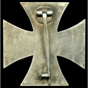 """Iron cross 1st class """"round 3"""" by Deschler & Sohn"""