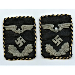 Set of Reichsbahn collar tabs