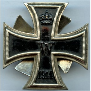 1914 iron cross 1st class by P. Maybauer screwback