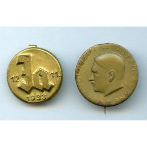 1933 Adolf Hitler election promotion pins