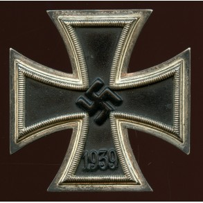 "Iron cross 1st class by Wilhelm Deumer ""L/11"""