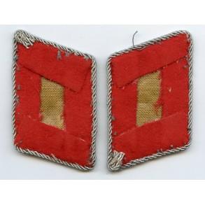 Luftwaffe collar tab pair for Leutnant artillery / flak