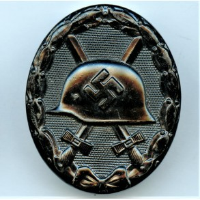 """Wound badge in black by Hermann Aurich """"113"""""""
