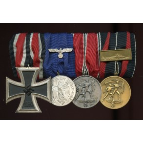 4 place medal bar with EK2, 4yr service and annexation medals