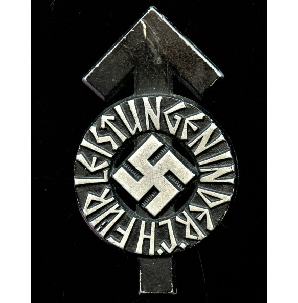 "HJ proficiency badge in black by Gustav Brehmer ""M1/101"", ""104170"""