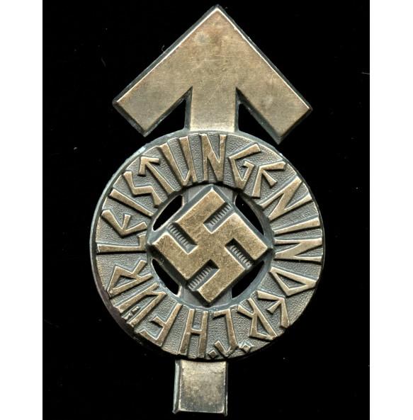 "HJ proficiency badge in silver by Gustav Brehmer ""M1/101"""