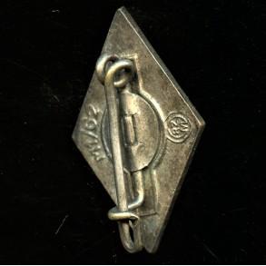"""HJ membership pin by Gustav Hähl """"M1/62"""""""