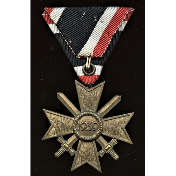 War merit cross by unknwon maker, Austrian mount