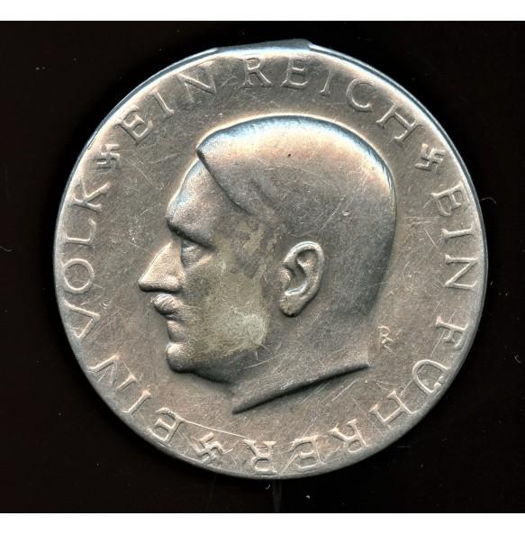 1933 Adolf Hitler election promotion pin.