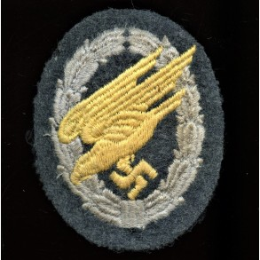 Luftwaffe paratrooper badge in cloth, padded example