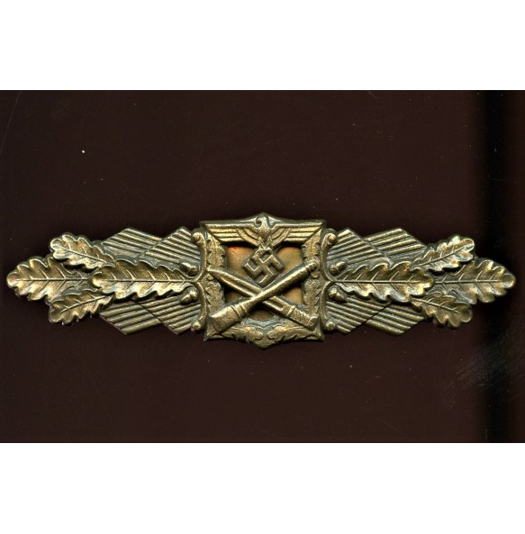 "Close combat clasp in bronze by Friedrich Linden ""FLL"""