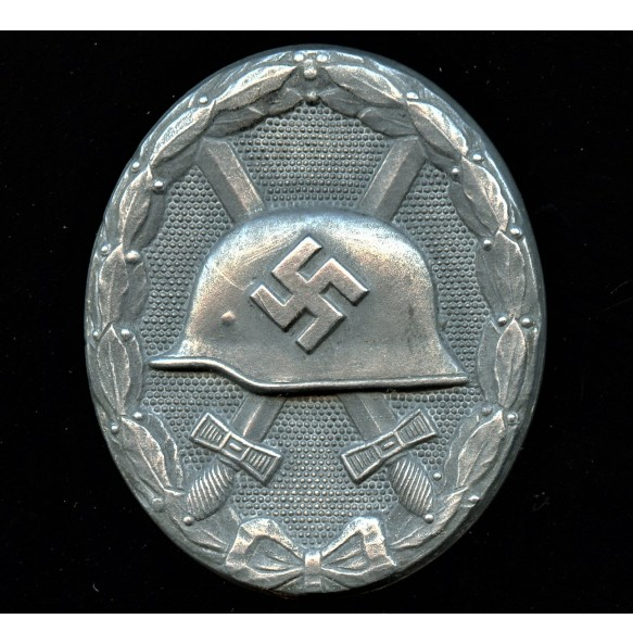 "Wound badge in silver ""semi hollow type"" by Fritz Zimmermann ""L/24"""