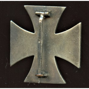1914 Iron cross 1st class by Steinhauer & Lück, 1939 make