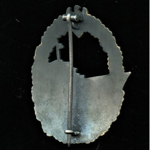 Kriegsmarine destroyer badge by W. Deumer