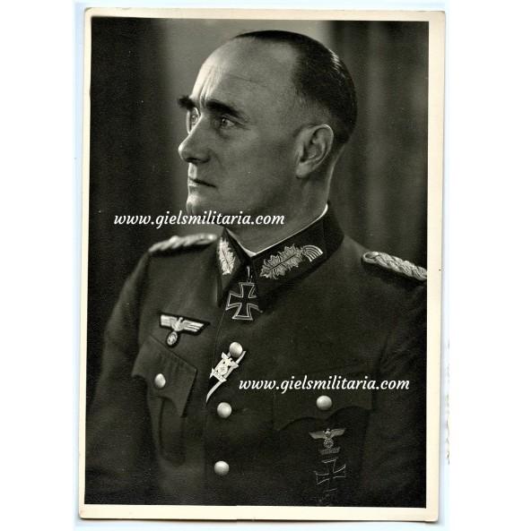 Portrait photo knights cross winner general