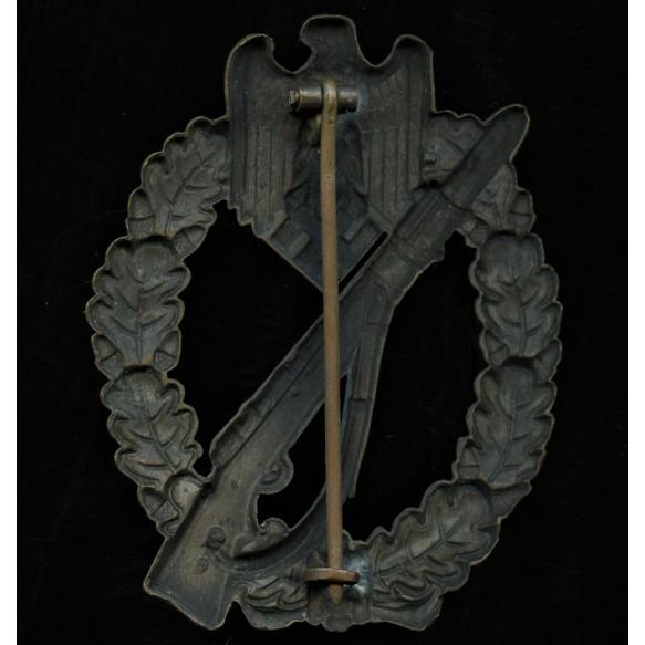 Infantry assault badge in bronze by Wilhelm Deumer